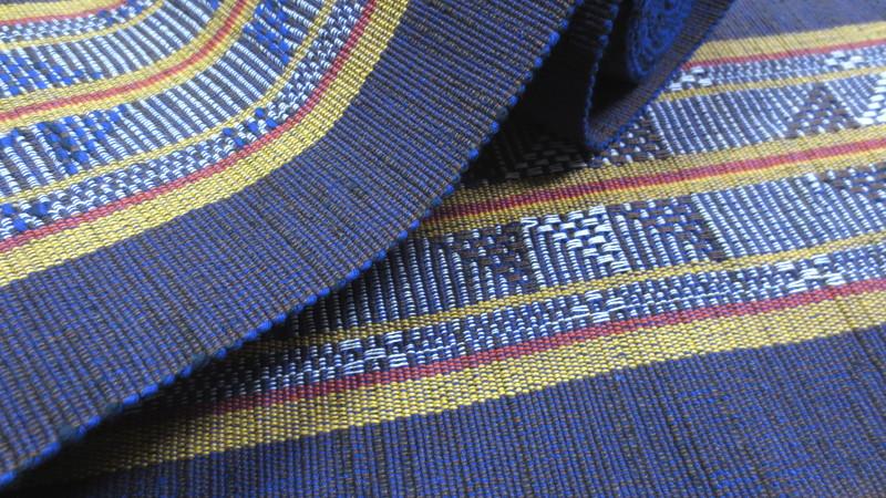杢糸を使う青い帯