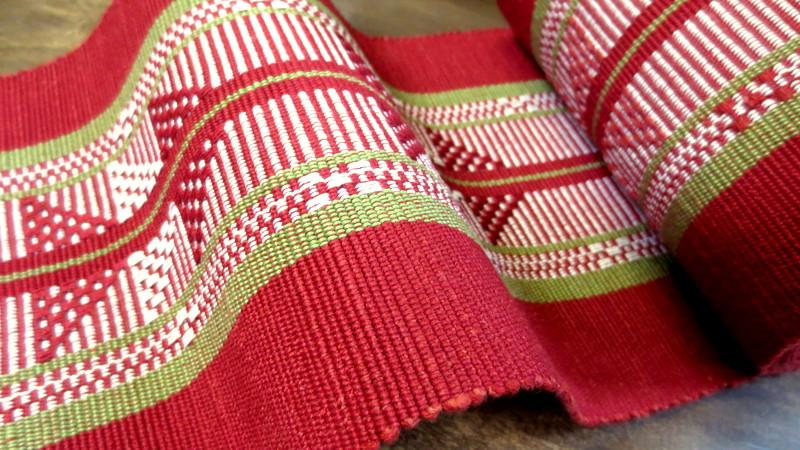 赤い首里織の帯