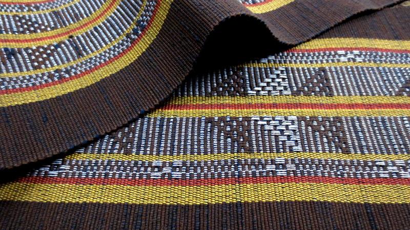茶色の首里織の帯