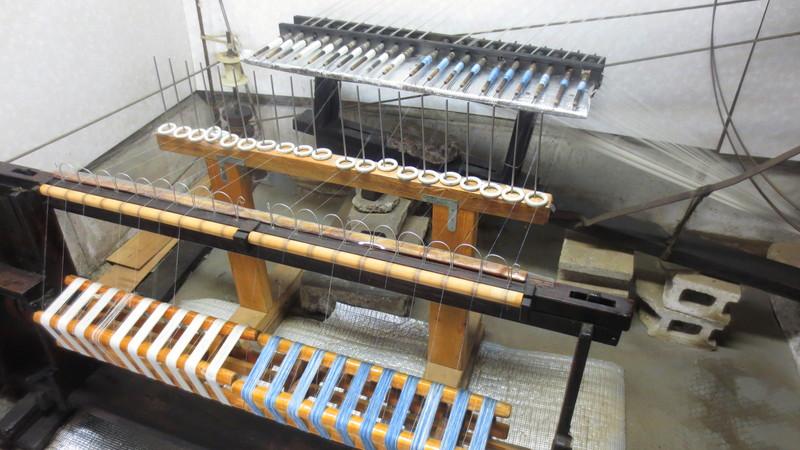 ちぢみ糸を作る機械