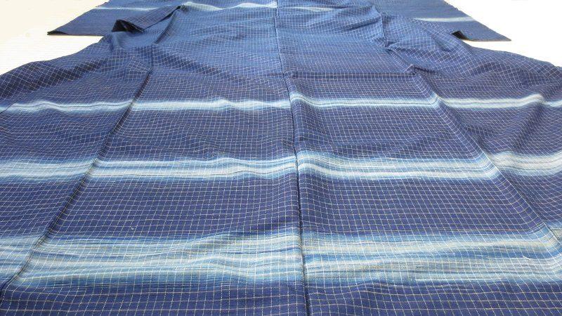 志村ふくみさんの青い横段の紬着物
