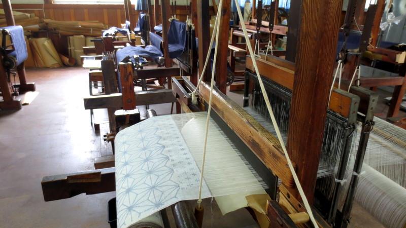 織りかけの生地