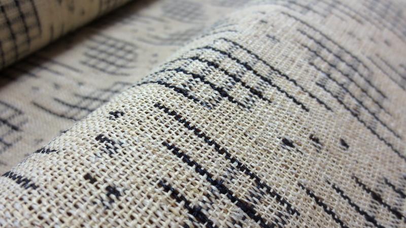 越後上布の帯の生地表面
