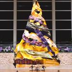 琉球の織物が揺蕩うクリスマスツリー